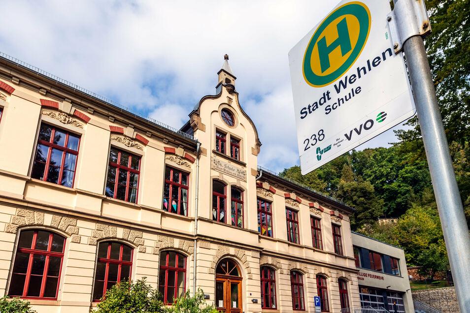 Friedrich-Märkel-Grundschule in Stadt Wehlen: Kein Unterricht bis 9. Oktober.
