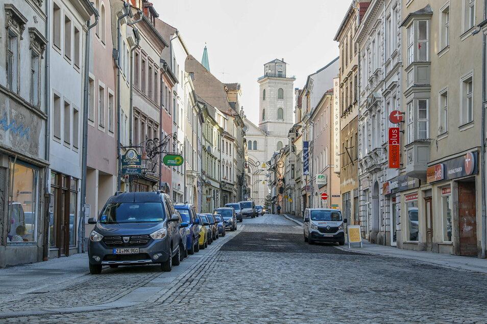 Die Sperrung im unteren Abschnitt der Inneren Weberstraße ist im Dezember aufgehoben worden. Derzeit ruhen die Arbeiten an der innerstädtischen Straße erst einmal.