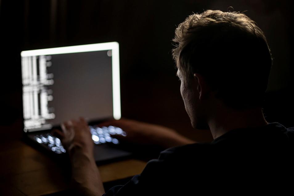 Bei der jüngsten Attacke mit Erpressungssoftware haben Hacker auf einen Schlag hunderte Unternehmen ins Visier genommen.