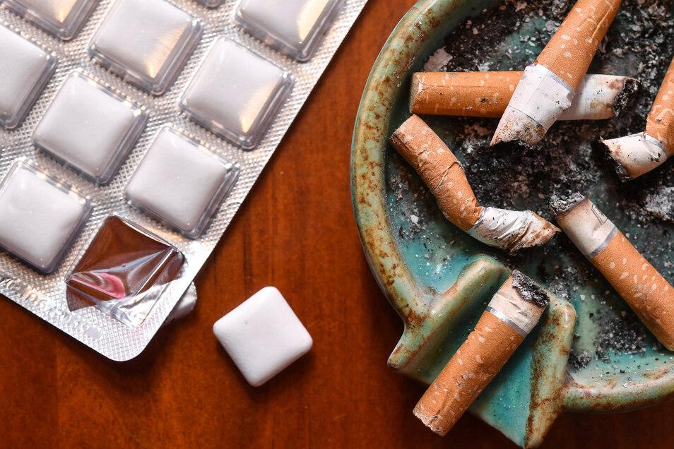 Nikotinpräparate können beim Rauch-Stopp helfen.