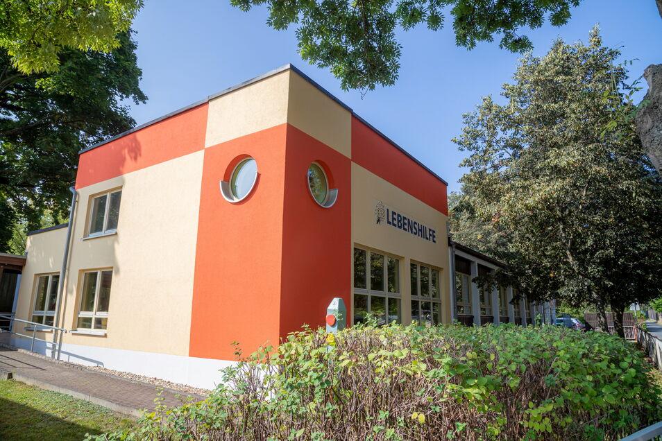 """Die Kita """"Pusteblume"""" in der Hausmannstraße. Sie gehört jetzt zum Verein Oberlausitzer Lebens- und Familienhilfe mit Sitz in Bautzen. Dieser hat sich mit der Nieskyer Lebenshilfe für Geschädigte verschmolzen."""