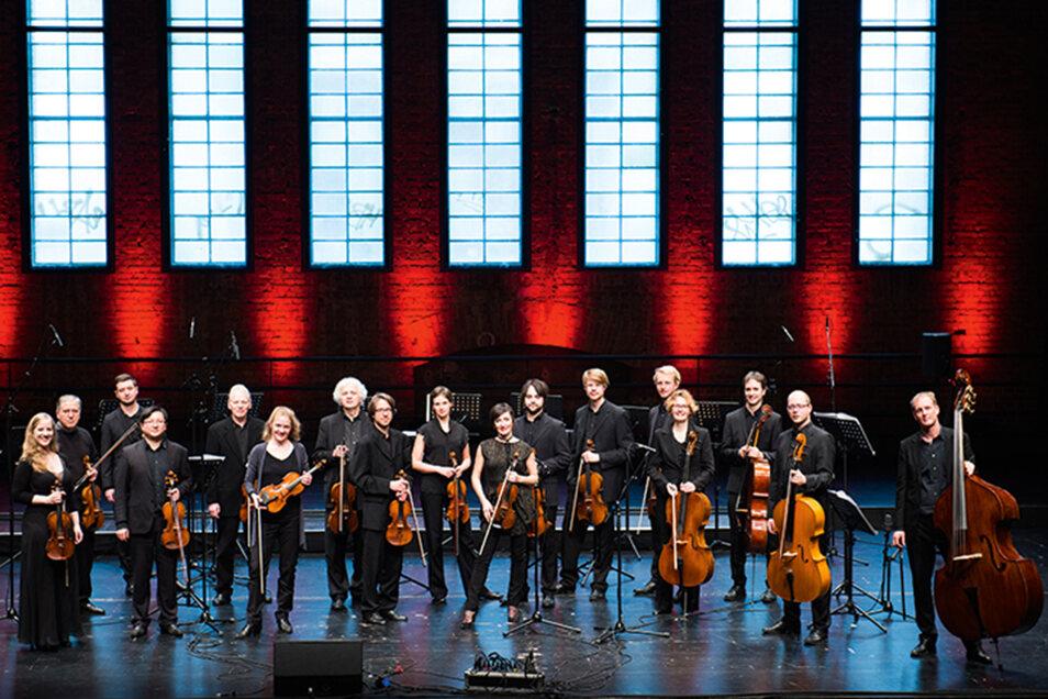 Das Stuttgarter Kammerorchester unter Leitung von Matthias Foremny