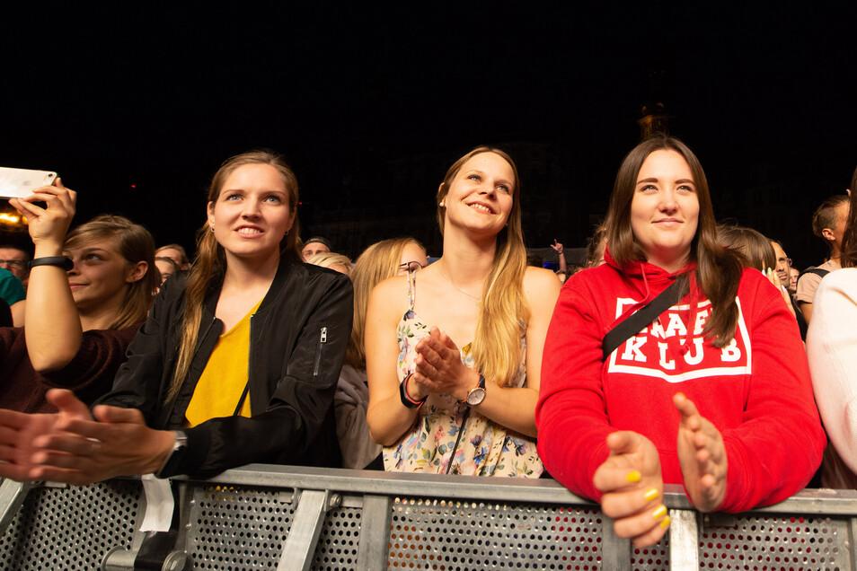 Das überwiegend weibliche - und junge Publikum - genießt den Abend.