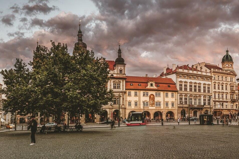 Auch in Prag bleiben Gaststätten und Einkaufszentren erst einmal zu.