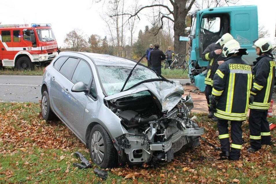 Diese Zeugin oder andere Personen, die Hinweise zum Unfallhergang geben können, werden gebeten, sich im Polizeirevier in Hoyerswerda unter 03571 465-0 zu melden.