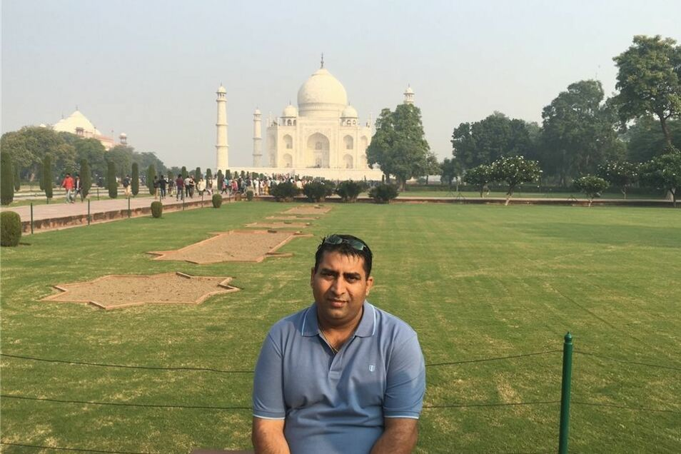 Natürlich gehört ein Ausflug zum Taj Mahal zu einer Indien-Reise unbedingt dazu. Und das Foto natürlich.
