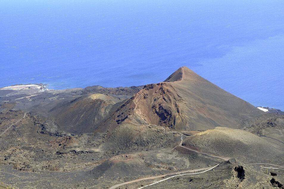 Blick auf einen der Vulkane von Cumbre Vieja, einem Gebiet im Süden der Insel La Palma, das von einem möglichen Vulkanausbruch betroffen sein könnte