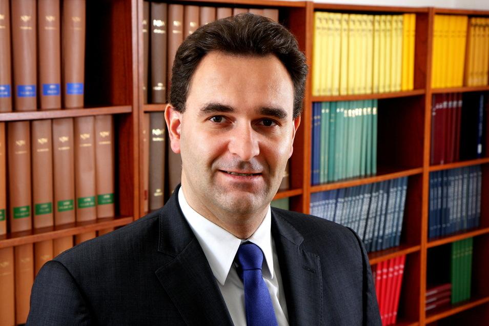 Christian Janeczek (44) ist Fachanwalt für Verkehrs- und Strafrecht in Dresden. Außerdem engagiert er sich in der Arbeitsgemeinschaft Verkehrsrecht des Deutschen Anwaltvereins. Foto: Rechtsanwälte Roth