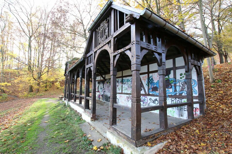 In dem historischen Pavillon sollen Familienfeiern und kleine Kulturveranstaltungen stattfinden können. Dafür soll er aufgewertet und neu ausgestattet werden.