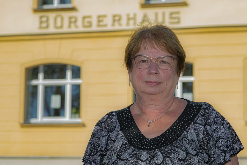Sonja Kunze (parteilos) tritt als Einzelbewerberin für eine zweite Amtsperiode an. Sie lenkte in den vergangenen sieben Jahren die Ohorner Geschicke als ehrenamtliche Bürgermeisterin.