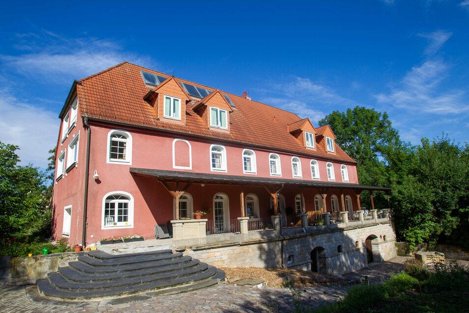 Für das frühere Herrenhaus des Rittergutes Kleinopitz wird ein neuer Besitzer gesucht.
