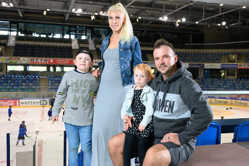 Steven Rupprich und seine Familie. Dazu gesellte sich Anfang Februar noch Tochter Maila.