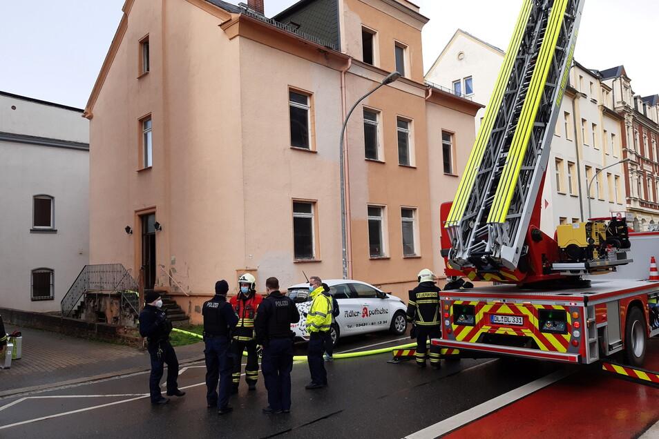 In einem leerstehenden Haus an der Bahnhofstraße in Döbeln hat es am Dienstagabend gebrannt.
