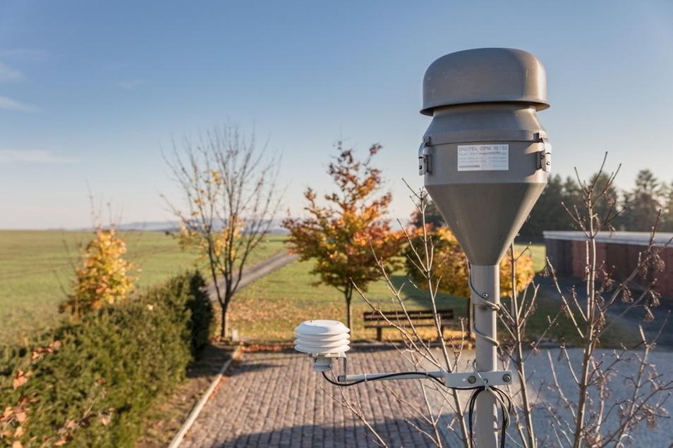 Brockau, Vogtlandkreis: Eine von insgesamt 29 Luftgüte-Messstationen in Sachsen.