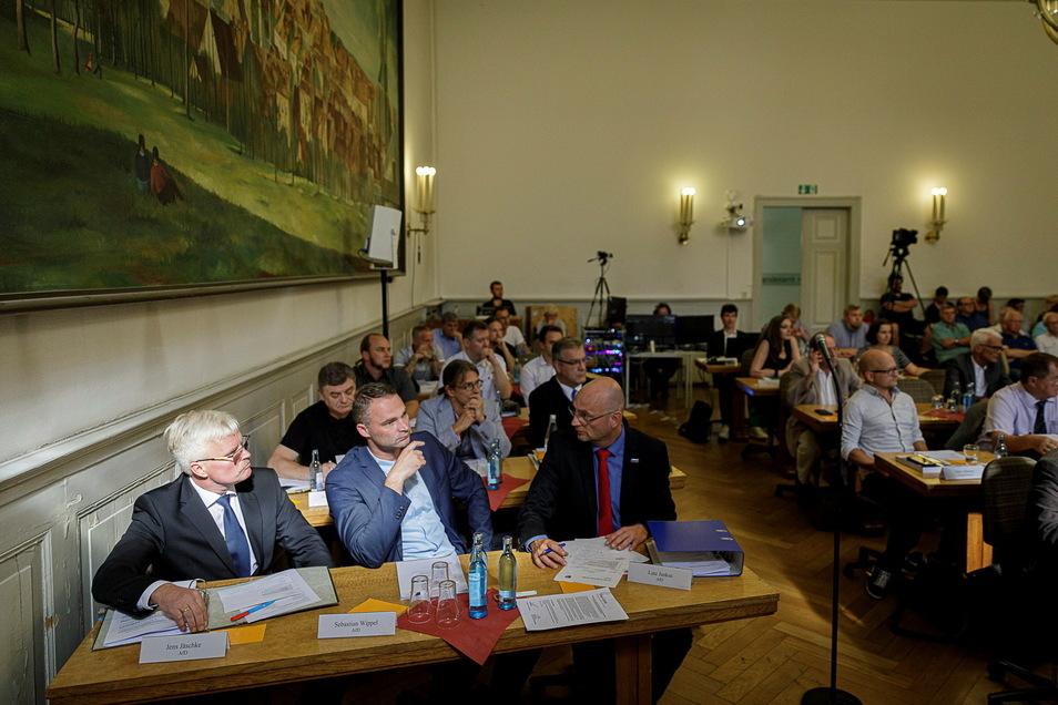 2019: Torsten Koschinka (Mitte, zweite Reihe) war mit der AfD in den Görlitzer Stadtrat eingezogen.