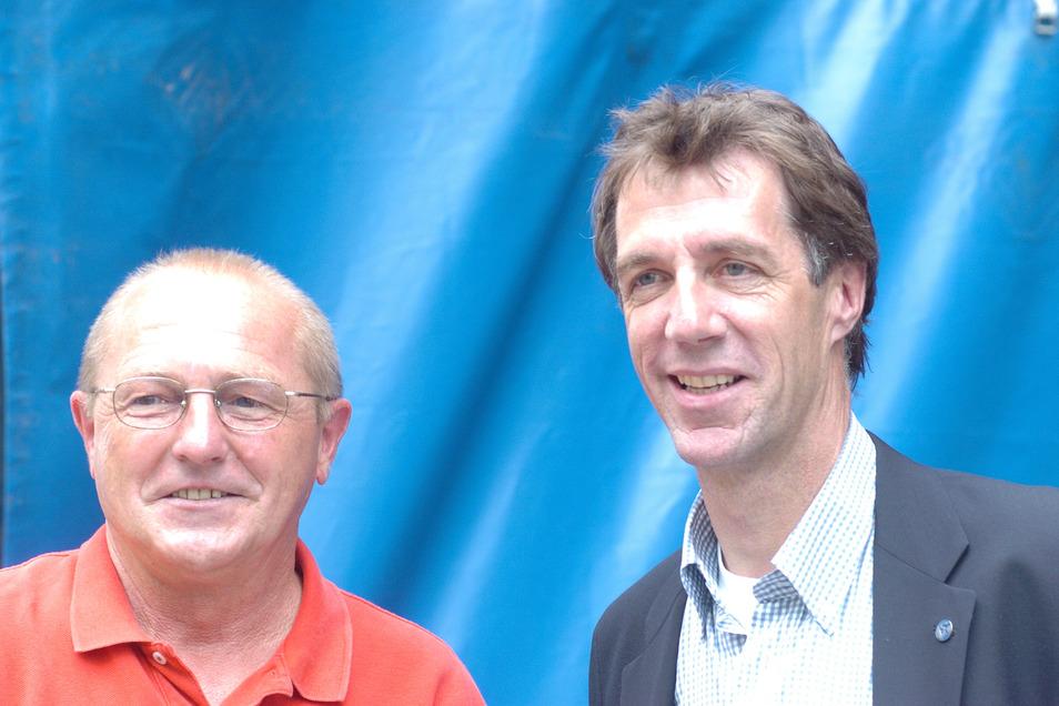 Helmut Schulte mit Dynamo-Legende Dieter Riedel 2004.