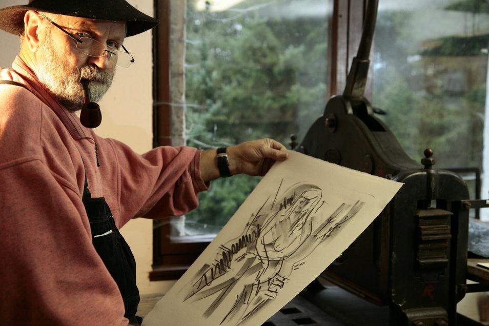 """""""Jedes Bild ist ein Abenteuer."""" Ekkehard Schneider aus Lungkwitz bei Kreischa beherrscht als einer der wenigen das alte Kunsthandwerk der Steindruckerei."""