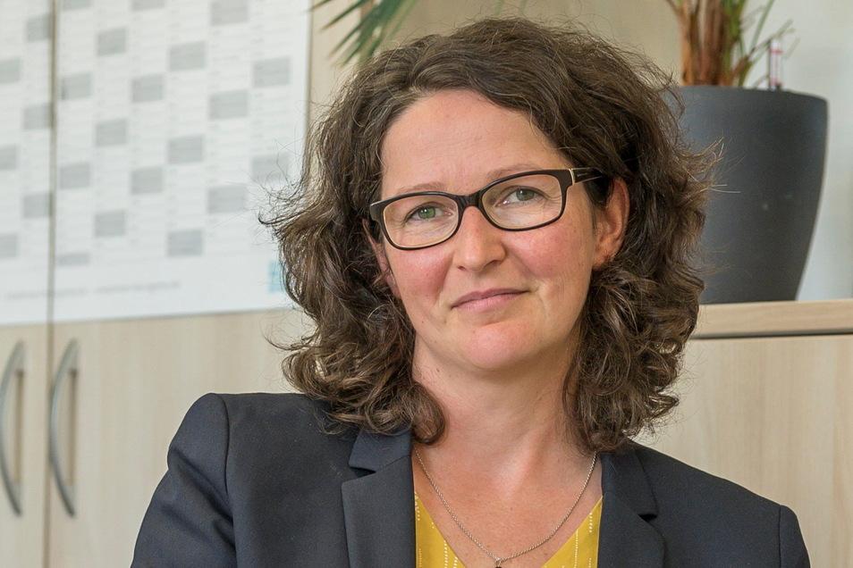 Prof. Dr. Katja Soyez leitet an der BA Riesa den Studiengang BWL-Dienstleistungsmanagement und ist an der Einrichtung für Öffentlichkeitsarbeit zuständig.