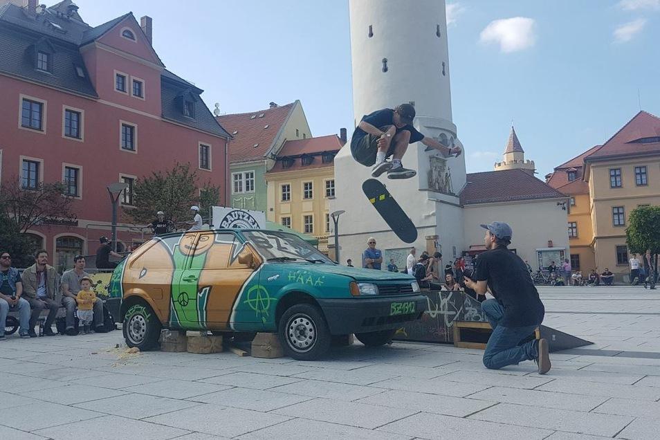 """Beim Festival """"Bouncen in Bautzen"""" stehen am Sonnabend ein Skateboard-Workshop und ein Skatecontest auf dem Kornmarkt auf dem Programm."""