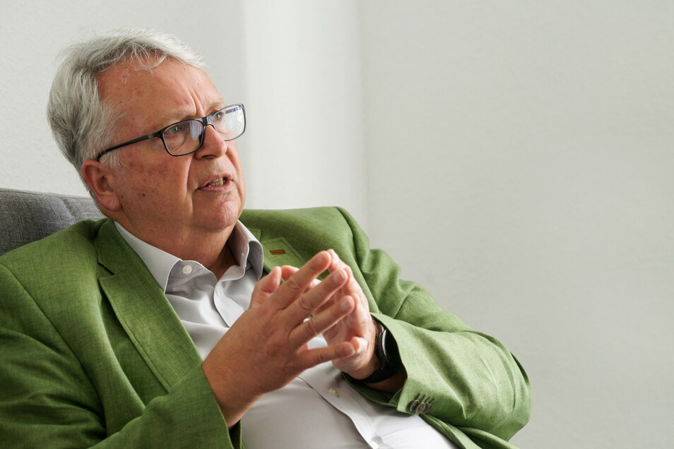 Chef der sächsischen Härtefallkommission: Geert Mackenroth (CDU) aus Radebeul, zugleich sächsischer Ausländerbeauftragter und Landtagsabgeordneter.