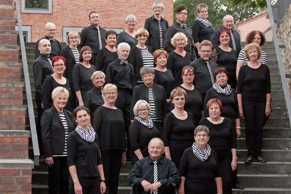 Für ihr Festkonzert zum 75. Jubiläum hatte sich die Singgemeinschaft Großenhain extra schick gemacht.