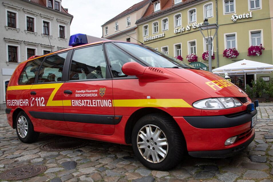 Der alte Einsatzleitwagen der Feuerwehr Bischofswerda, ein Renault Escape, wird nach 20 Jahren ausgemustert.