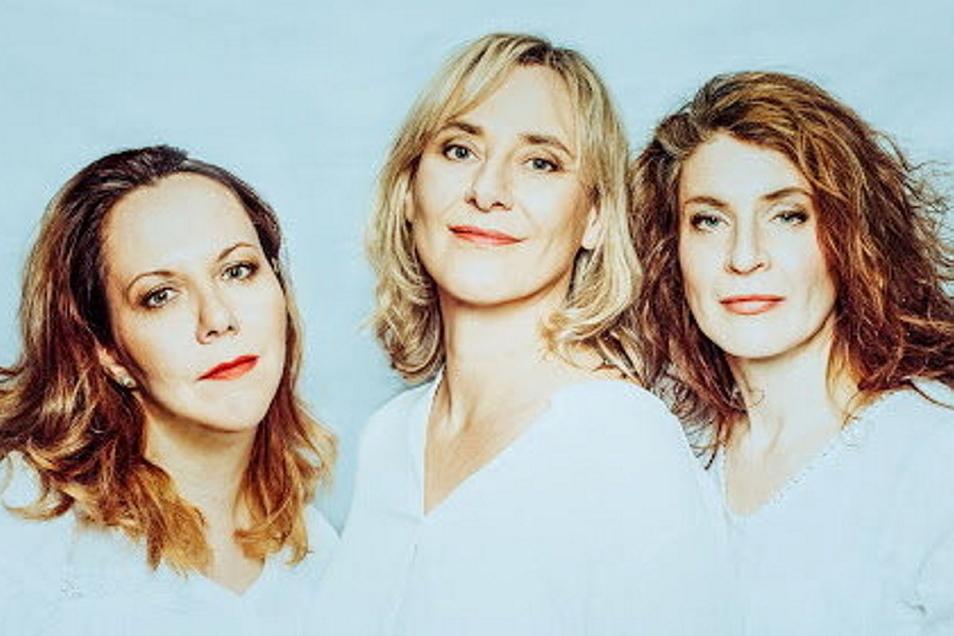 """Mélanie Germain, Britta Rex und Lindsay Lewis sind die """"Voice Sistas"""", die am Samstag ab 20 Uhr auf der Bühne im Saal des Hafenstraße e.V. zu erleben sind."""