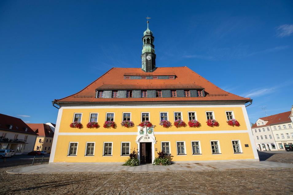 Das Rathaus in Neustadt ist ab sofort für den Besucherverkehr geschlossen.