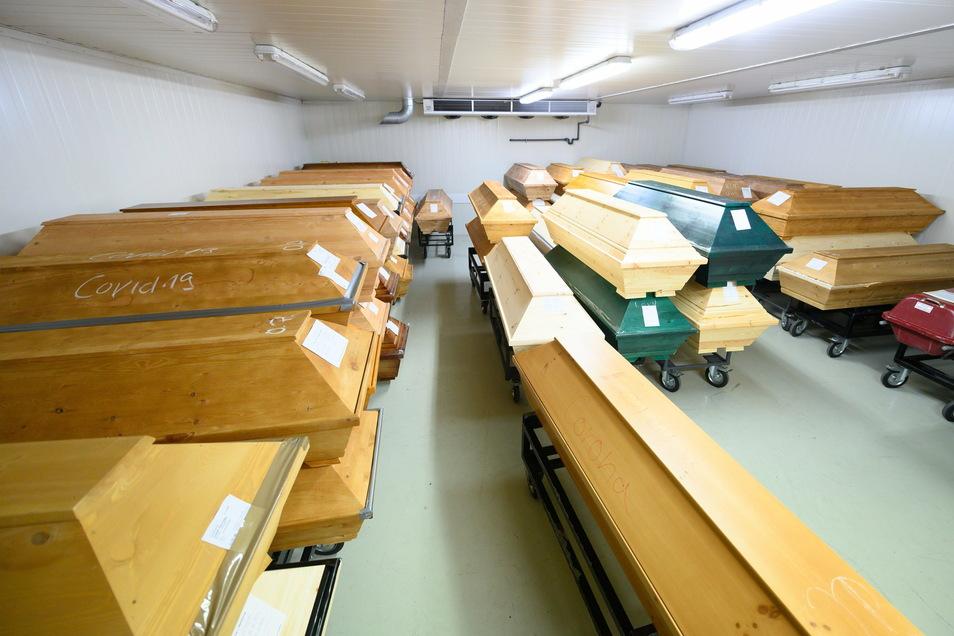 Die Kapazitäten im Krematorium in Dresden-Tolkewitz reichen nicht mehr aus.