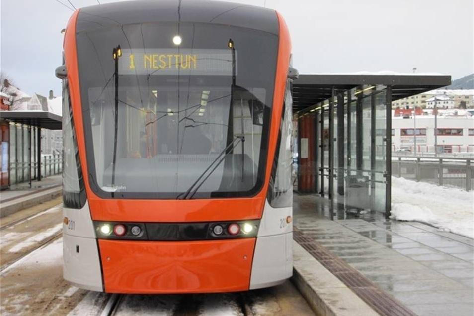 Stadler aus der Schweiz baut eine Straßenbahn mit einem knuffigen Gesicht, die unter anderem im dänischen Aarhus eingesetzt wird. Für diesen Zug hat das Unternehmen einen Designpreis bekommen.