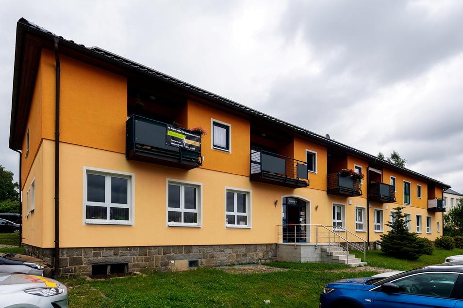 2005/2006 wurde die Baracke am Cunewalder Kirchweg, die zu DDR-Zeiten ein Ambulatorium beherbergte, umgebaut und bekam ein Obergeschoss. So präsentiert sich das Gebäude heute.