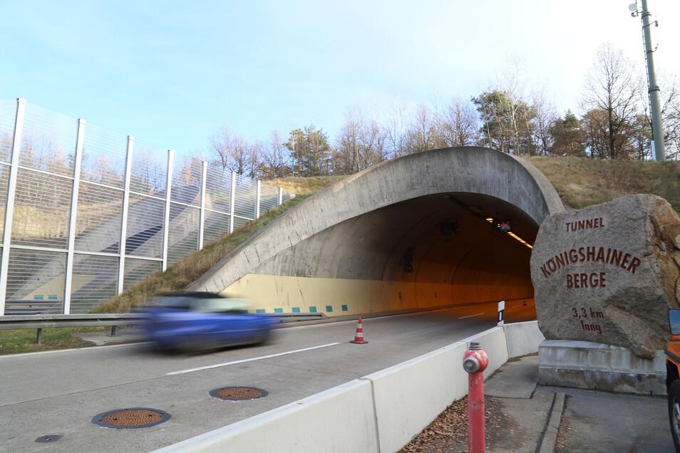 """Blick auf den Tunnel """"Königshainer Berge""""."""