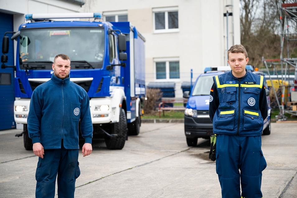 Ihre Begeisterung für Fahrzeuge und Technik können Jens Schulze und Marcel Seidel (von links) beim THW in Görlitz ausleben. Seit frühester Jugend engagieren sie sich, um Menschenleben und Sachwerte zu retten und zu sichern.