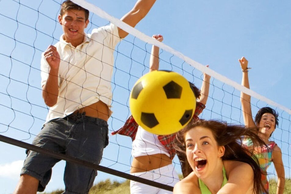 Nicht nur Beachvolleyball-Fans freuen sich auf eine neue Strandsaison.