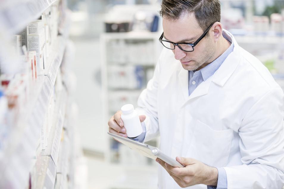 Apotheker müssen immer häufiger nach einem vergleichbaren Austauschmedikament suchen.