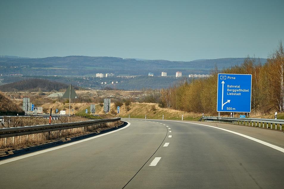 Die Auffahrt zur A17 Anschlussstelle Pirna ist gesperrt. Über die Anschlussstelle Bahretal erfolgt die Umleitung.