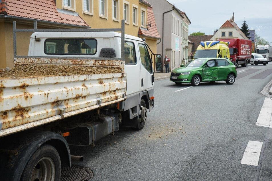 In Hochkirch kollidierten am Donnerstagvormittag zwei Fahrzeuge.