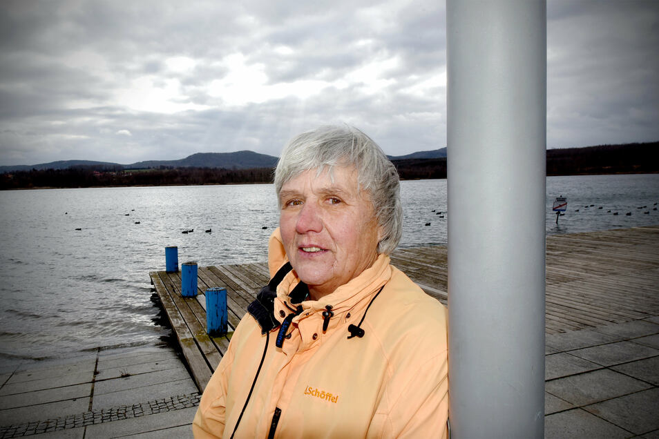 Erika Blume freut sich auf die wärmere Jahreszeit und das Schwimmen im Olbersdorfer See. Das will sie mit den Mitgliedern ihres ersten Schwimmkurses tun.