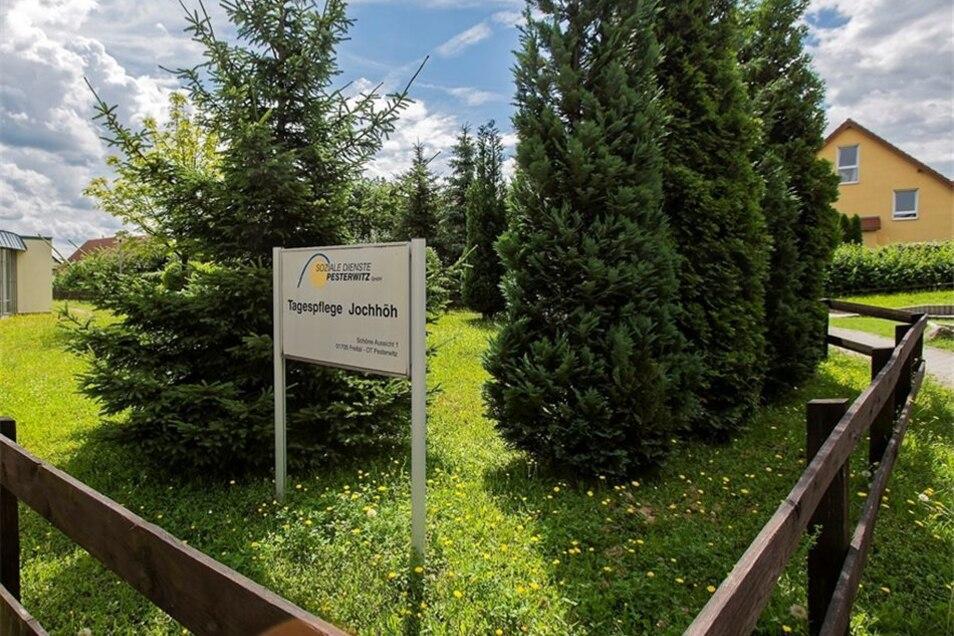 Der Park am Seniorenheim soll öffentlich werden.