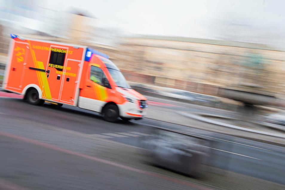 Bei einem schweren Unfall im Erzgebirgskreis sind zwei Personen schwer verletzt worden.