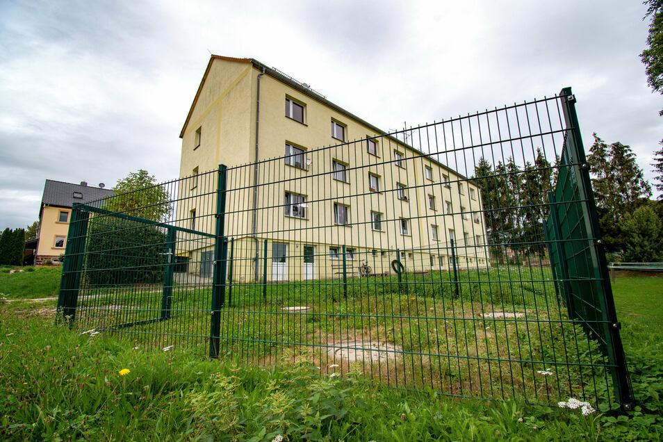"""In Altenhof gibt es vier Gruppenkläranlagen zur Abwasserentsorgung. Besonders die in """"Altenhof Mitte"""" bereitet schon zehn Jahre nach dem Bau massive Probleme.."""
