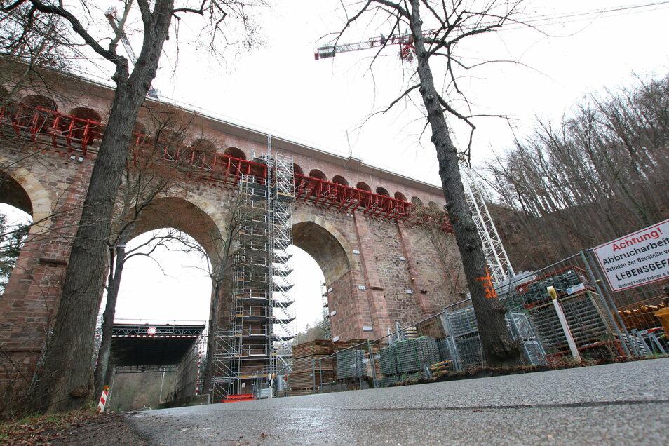 Die Gerüste am Heiligenborner Viadukt sollen ab nächster Woche verschwinden.