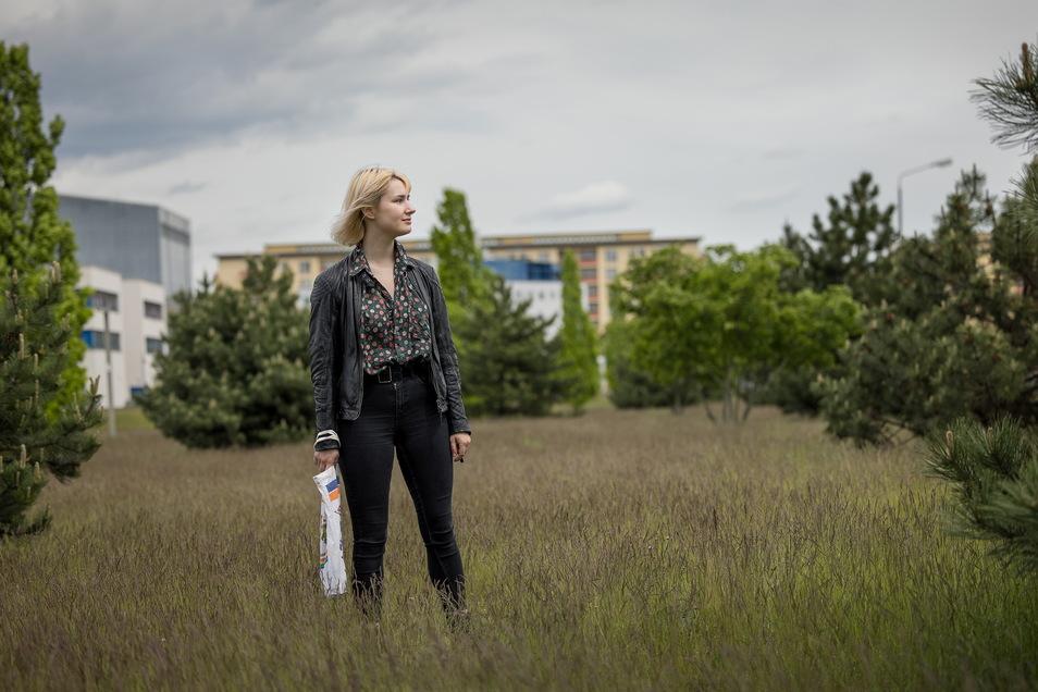 Helene Deus, eine junge Frau aus Hoyerswerda, setzt sich für die Region und gegen Abwanderung ein.