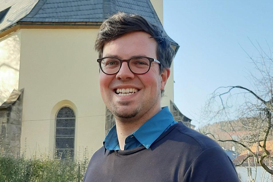 Der Sebnitzer Pfarrer Lothar Gulbins erhält ein Dienstverhältnis auf Lebenszeit, Ein großer Gottesdienst kann aber nicht gefeiert werden.
