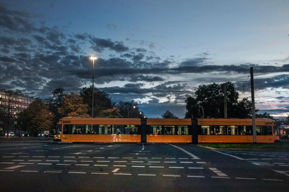 Die niedrigen Inzidenzwerte in Dresden und die ohnehin geringe Infektionsgefahr in den Bussen und Bahnen erlauben nun eine Rückkehr zur Normalität