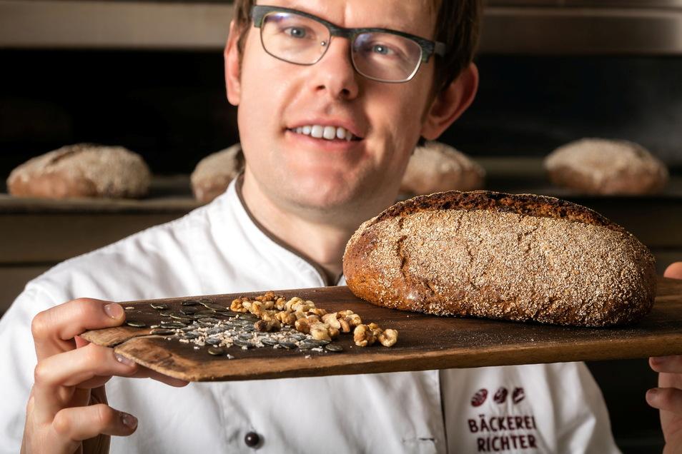 Bei Bäckermeister Stefan Richter aus Kubschütz lernt jetzt ein Lehrling aus. Danach würde er gern wieder einen Auszubildenden nehmen.