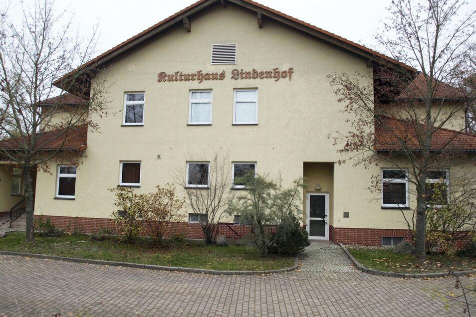 """Der Saal des Kulturhauses """"Lindenhof"""" in der Berliner Chaussee in Bad Muskau wird am 14. Mai und am 4. Juni zum Corona-Impfzentrum. Voranmeldungen sind nötig."""