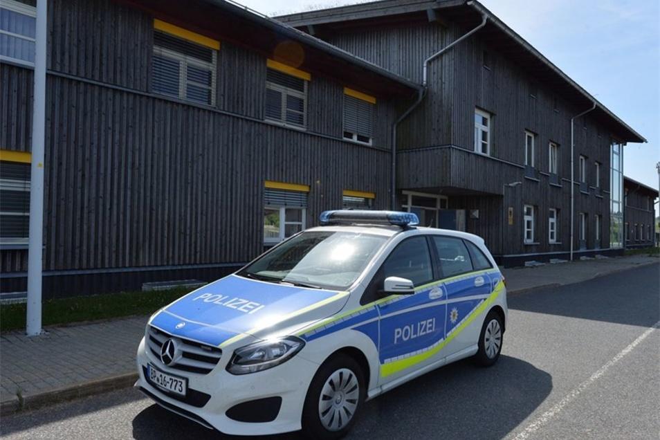 Noch sind die Beamten des Bundespolizeireviers Altenberg an der früheren Grenzzollanlage Altenberg/Cinovec (Böhmisch-Zinnwald) stationiert.