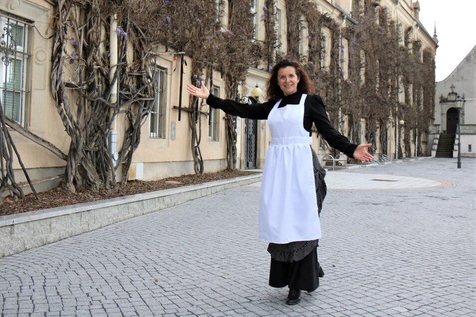 Zofe Anna begleitet in diesem Jahr die Besucher auf dem historischen Rundgang durchs Riesaer Rathaus.