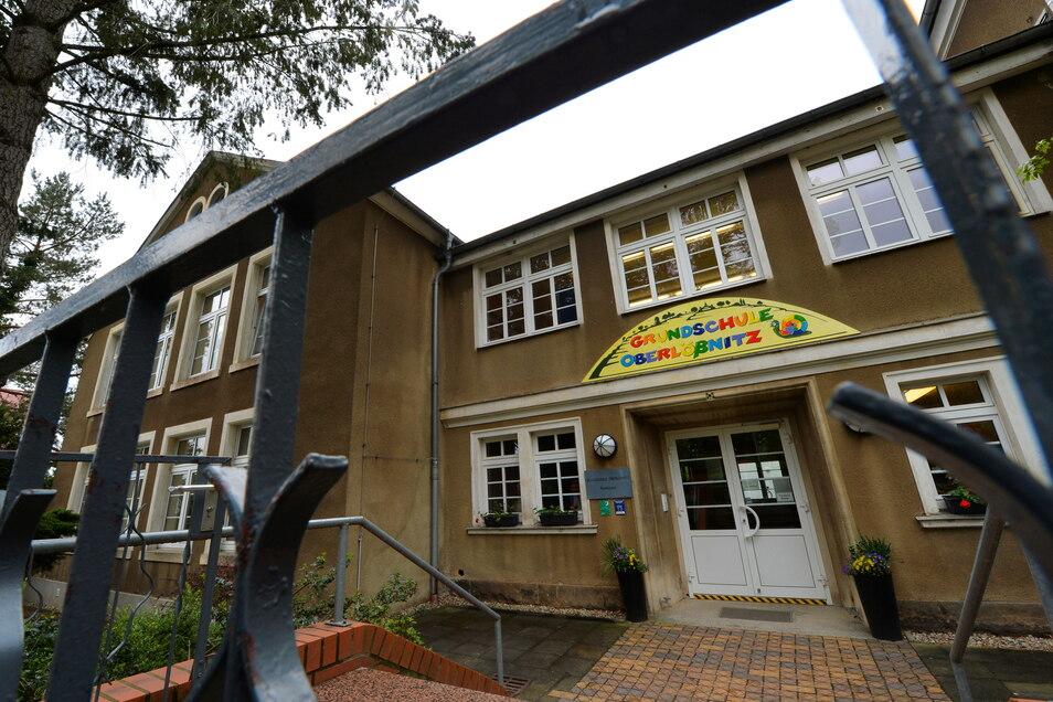 Das Gebäude der Grundschule Oberlößnitz wird für den Brandfall sicherer gemacht.